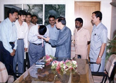 Handing over 251 Eye Donation consent letters collected by Kishor Soni in presence of Hon. MLA Rajendra Darda, Sept 2002