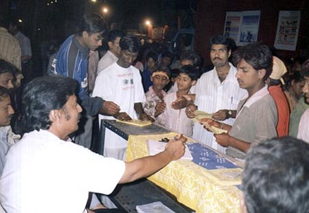 Eye Donation Stall Ganpati Visarjan Procession 9th Sept 2003, 76 Consent letters collected