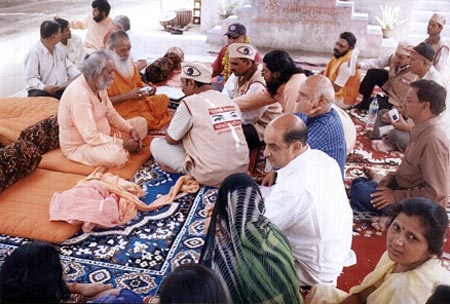 Discussion About Eye Donation with Sadhusaintas at Ujjain Kumbh Mela (M.P.), 1st to 5th May 2004