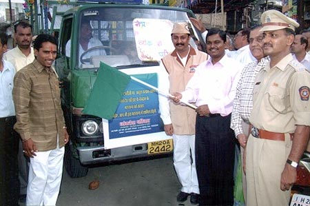 Our Collector, Civil Surgeon and ACP showing green signal to Netradan Rath Yatra on Eye Donation Day 10th June 2005