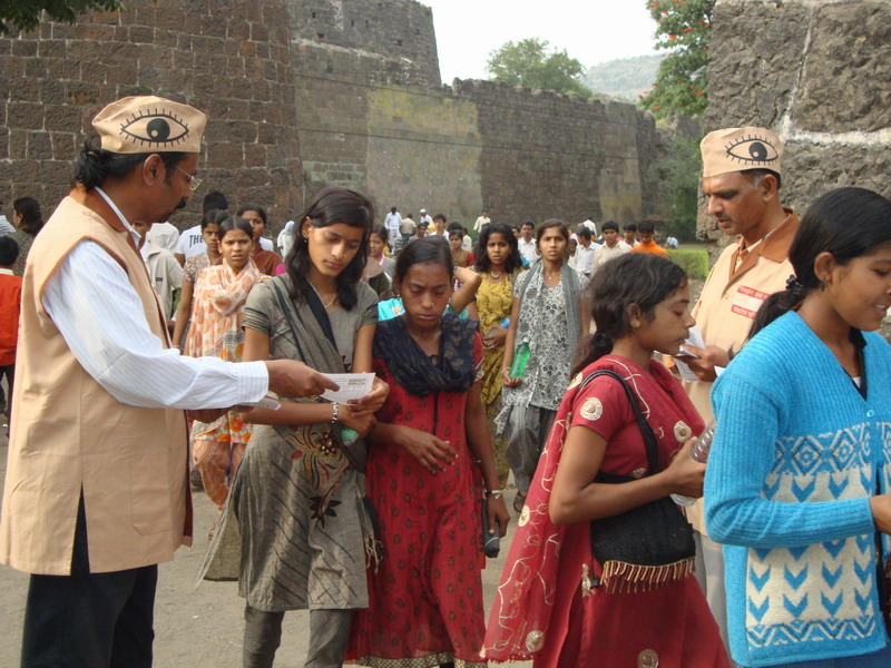 Ad.kishor soni and Mr.Prakash Mantri convincing to people about Eye donation At Daultabad Fort area