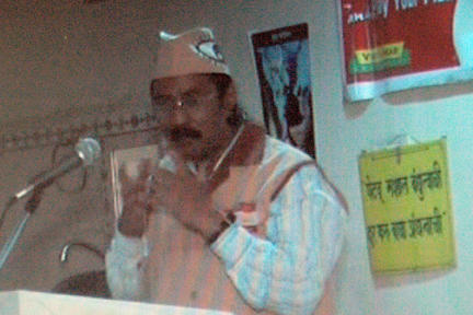 Ad. Kishor Soni in action for driving Eye donation car.