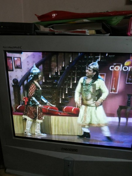 Star Actor Kapil Sharma giving message for eye donation in his comedy show